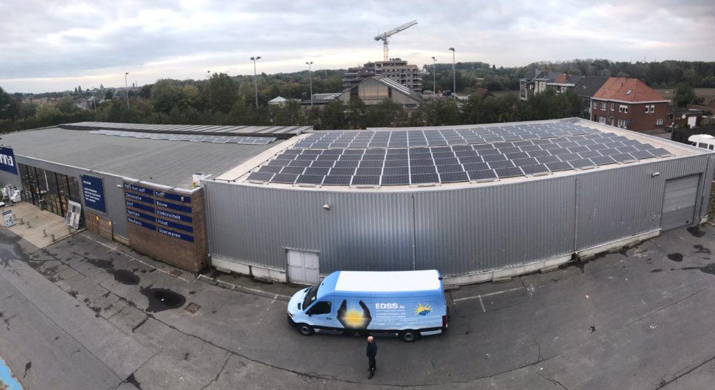 Industriële installatie zonnepanelen